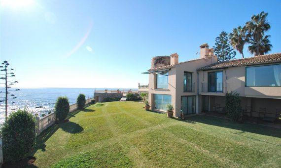 Villa en Mijas Costa, Marbella, 370 m2   | 3