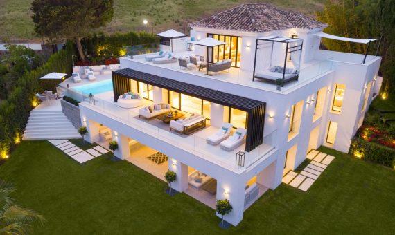 Villa en Marbella 516 m2, jardin, piscina, aparcamento   | af635280-d495-42db-b8e4-c9db59782bb8-570x340-jpg