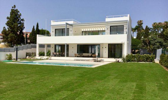 Villa en Marbella Golden Mile, jardin, piscina, aparcamento   | ba29d80c-9fd5-430d-b293-903fa1fa4767-570x340-jpg