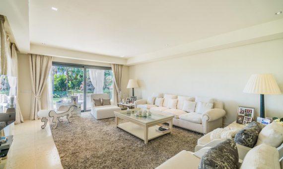 Villa en Marbella Golden Mile, 420 m2, jardin, piscina, aparcamento -