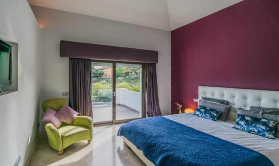 Villa in Benahavis, Marbella, 385 m2, garden, pool, parking   | 4