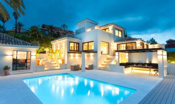 Villa à Marbella 416 m2, jardin, piscine, parking   | d562327c-3d60-47cc-9045-17bfebf560b6-570x340-jpg