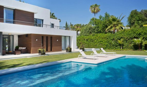 Villa en Marbella 880 m2, jardin, piscina   | 2