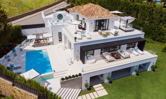 Villa in Nueva Andalucia, Marbella, 516 m2, garden, pool, parking   | 1