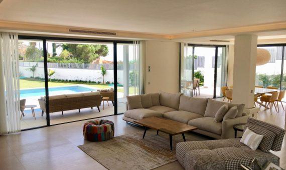 Villa en Marbella Golden Mile, jardin, piscina, aparcamento   | 2