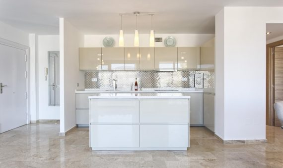 Apartment in Marbella 105 m2, garden, pool, parking   | 4