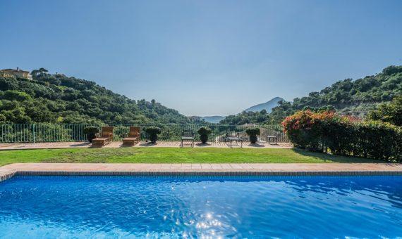 Villa in Benahavis, Marbella, 601 m2, garden, pool, parking   | 2