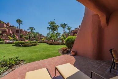 Апартаменты в Эстепоне, Марбелья, 226 м2, сад, бассейн, парковка