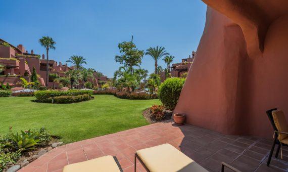 Апартаменты в Эстепоне, Марбелья, 226 м2, сад, бассейн, парковка -