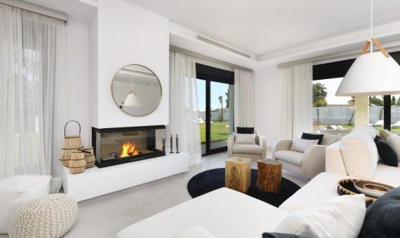 Townhouse in San Pedro de Alcantara, Marbella, 400 m2, garden, pool   | 2