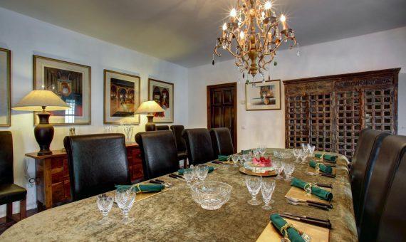 Villa in Marbella Golden Mile, 700 m2, garden, pool, parking     3