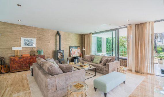 Villa en Nueva Andalucía, Marbella, 650 m2, jardin, piscina, aparcamento   | 2