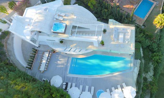 Вилла в Новой Андалусии, Марбелья, 667 м2, сад, бассейн, парковка   | 2