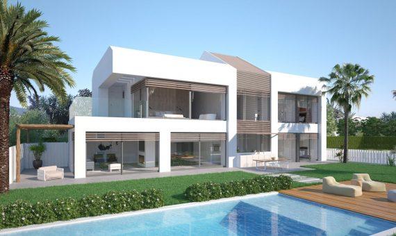 Villa en Marbella 320 m2, jardin, piscina, aparcamento   | 2