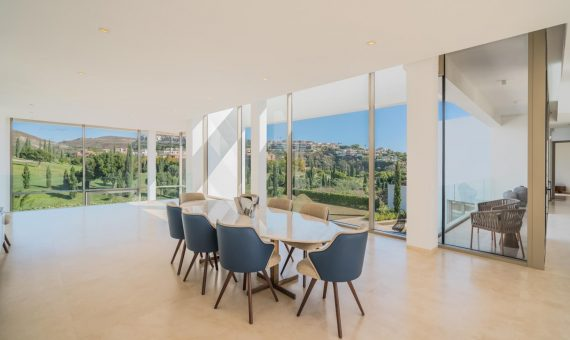 Villa en Marbella 720 m2, jardin, piscina, aparcamento   | 4