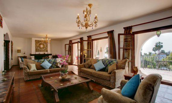 Villa in Marbella Golden Mile, 700 m2, garden, pool, parking     1