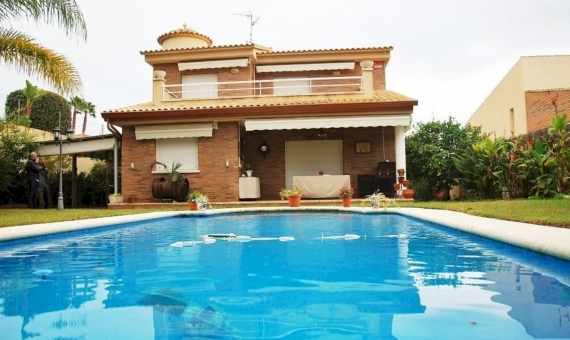 Villa with a private pool near the sea in Calafell | 1