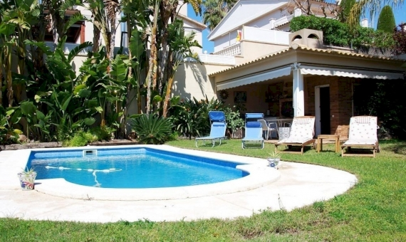 Villa with a private pool near the sea in Calafell | 2