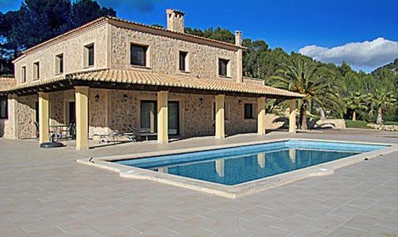 Вилла в Кальвии, Майорка, 230 м2, бассейн   | foto_142409-570x340-jpg