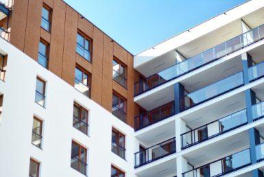Продажа здания с лицензией на строительство квартир в районе Саррия, в Барселоне - shutterstock_1203899791