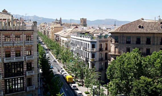 Venta de edificio 1.004 m2 de viviendas para reformar en Les Corts, Barcelona | shutterstock_441211660-570x340-jpg