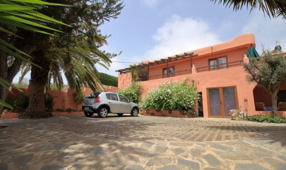 Villa in La Matanza de Acentejo, 490 m2, partially furniture, terrace, balcony   | 3