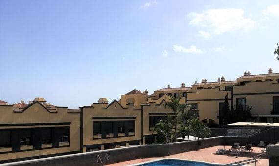 Townhouse in San Miguel de Abona,  LLano del Camello, 108 m2, fully furniture, terrace, garage, parking   | 2