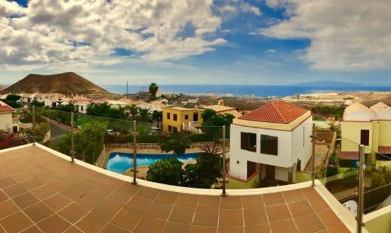 Casa en Arona,  Chayofa, 172 m2, jardin, terraza, balcon   | 3