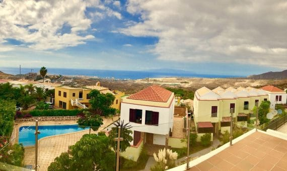 Casa en Arona,  Chayofa, 172 m2, jardin, terraza, balcon   | 2