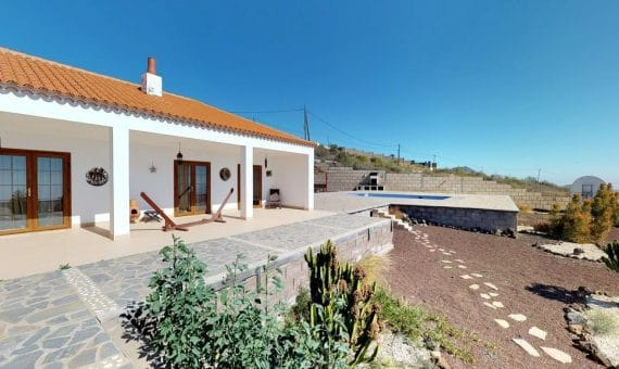 Villa in San Miguel de Abona,  San Miguel, 198 m2, fully furniture, garden, terrace   | 2