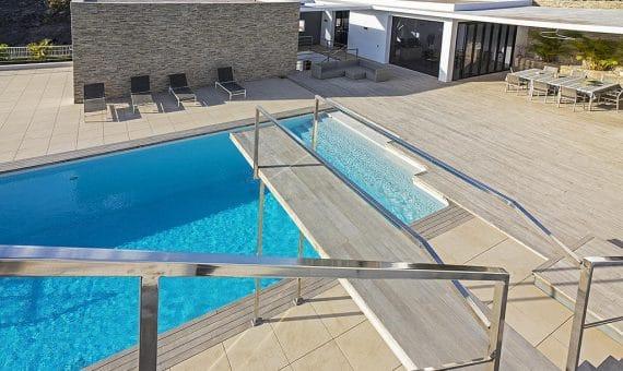 Villa in Adeje,  Golf Costa Adeje, 762 m2, fully furniture, garden, terrace, balcony, garage, parking   | 4