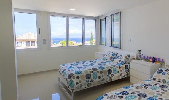 Villa in Adeje,  Playa Paraiso, 375 m2, garden, terrace, garage, parking   | 4