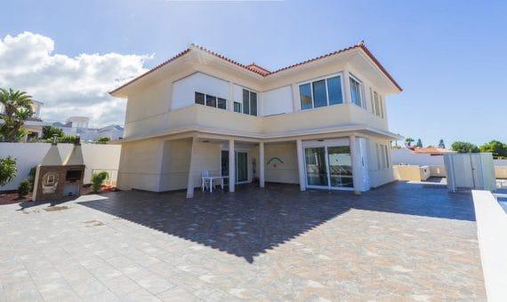 Villa in Adeje,  Playa Paraiso, 375 m2, garden, terrace, garage, parking   | 1