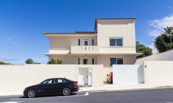 Villa in Adeje,  Playa Paraiso, 375 m2, garden, terrace, garage, parking   | 2