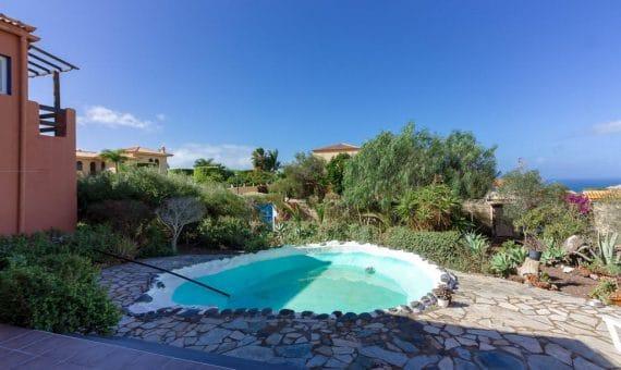 Villa in Adeje,  Playa Paraiso, 300 m2, garden, terrace, garage, parking     4