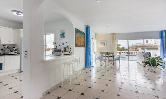 Villa in Adeje,  Golf Costa Adeje, 380 m2, fully furniture, garden, terrace, balcony, garage, parking   | 2