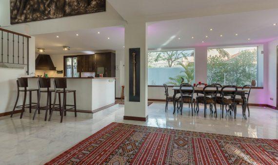 Villa in Adeje,  El Madroñal, 470 m2, fully furniture, garden, terrace, balcony, garage, parking   | 3