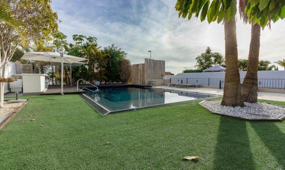 Villa in Adeje,  El Madroñal, 470 m2, fully furniture, garden, terrace, balcony, garage, parking   | 2