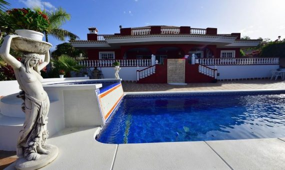 Villa in Adeje,  Playa Paraiso, 300 m2, garden, terrace, balcony, garage, parking   | 1