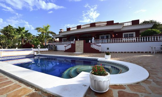 Villa in Adeje,  Playa Paraiso, 300 m2, garden, terrace, balcony, garage, parking   | 2