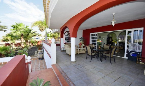 Villa in Adeje,  Playa Paraiso, 300 m2, garden, terrace, balcony, garage, parking   | 3