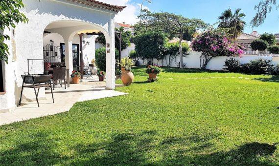 Villa in Adeje,  Playa Paraiso, 500 m2, fully furniture, garden, terrace, garage, parking   | 115100-570x340-jpg