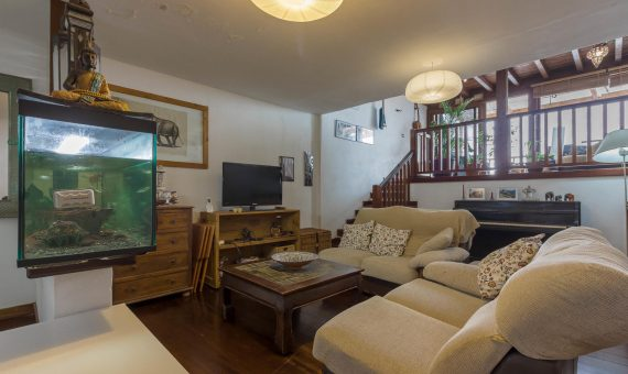 Townhouse in Granadilla, city El Medano, 220 m2, fully furniture, terrace, balcony, garage, parking     115158-570x340-jpg