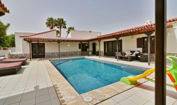 Casa en San Miguel de Abona,  Golf del Sur, 300 m2, jardin, terraza   | 117420-570x340-jpg