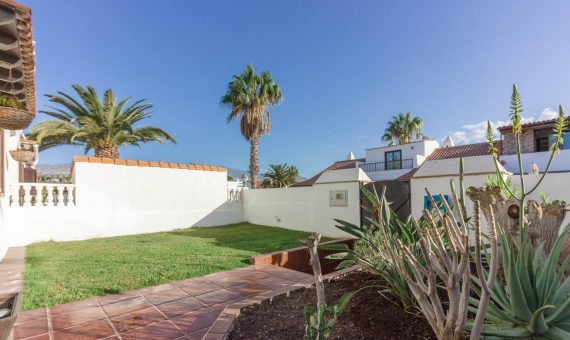 Villa in San Miguel de Abona,  Golf del Sur, 140 m2, fully furniture, garden, terrace   | 3