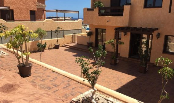 Villa in San Miguel de Abona,  Amarilla Golf, 143 m2, garden, terrace, garage, parking   | 2