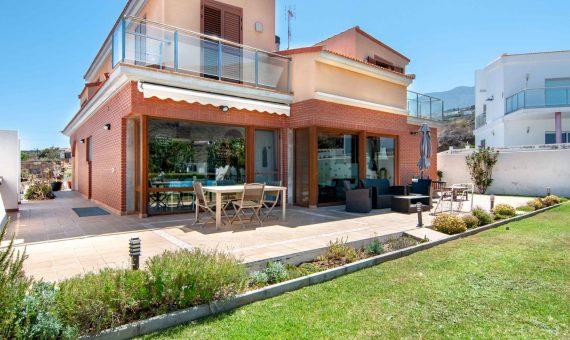 Вилла в Канделария, 410 м2, с мебелью, сад, террасса, гараж   | 2