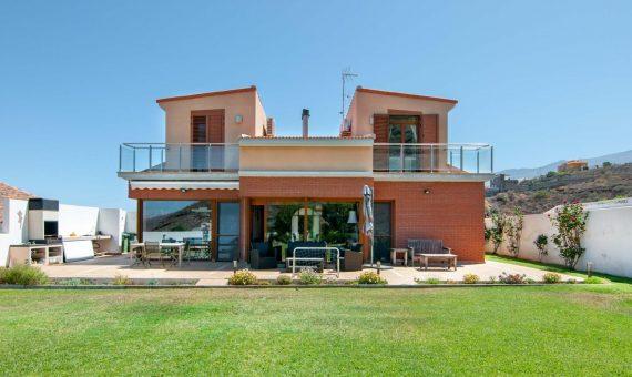 Вилла в Канделария, 410 м2, с мебелью, сад, террасса, гараж   | 119034-570x340-jpg