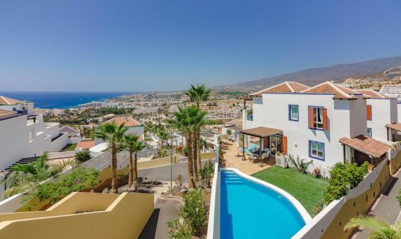 Casa en Adeje,  San Eugenio Alto, 230 m2, con mueble, jardin, garaje, aparcamento, aparcamento   | 120131-570x340-jpg