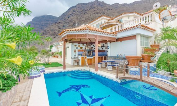 Villa in Santiago del Teide,  Los Gigantes, 385 m2, fully furniture, terrace, garage, parking   | 3